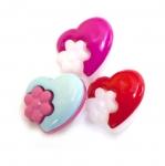 Värviline plastikust südamekujuline nööp 15x4mm