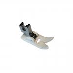 E16 Plastikust universaaltald standardse kruvikinnitusega masinatele, suurim õmbluslaius 5mm / Plastic Ultra Glide Foot, low shank