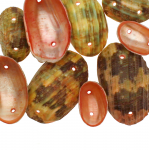 Kausjad teokarpidest helmed/ Dyed Half Clam Shell Beads / 19-32 x 12-22mm