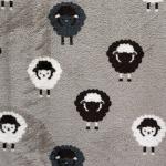 Ühelt poolt lammastega, teiselt poolt pilvedega, pehme, sametine fliis, jaquard fleece double face, 145cm, KC4009