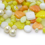 Pärlisegu kollakates toonides, erikujulistest pärlitest 4-13mm, 100/50g pakk
