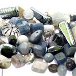 Pärlisegu Tumehallikates toonides eri suurusega  pärlitest 5-20mm, 100/50g pakk