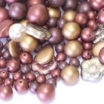 Pärlisegu pruunikates toonides erikujulistest pärlitest 6-15mm, 100/50g pakk