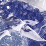 Sinised plastpärlid