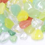 Pärlisegu erivärvilistest südamekujulistest pärlitest 6-16mm, 100/50g pakk
