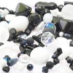 Pärlisegu Must-valgetes toonides eri suurusega  pärlitest 5-20mm, 100/50g pakk