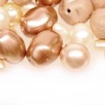 Pärlisegu Helebeežidest pärlmutter erikujulistest pärlitest 4-12mm, 100/50g pakk