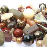 Pärlisegu Pruunikates toonides eri suurusega  pärlitest 5-20mm, 100/50g pakk