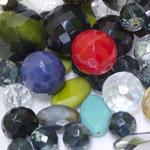 Pärlisegu erivärvilistest erikujulistest pärlitest 6-25mm, 100/50g pakk