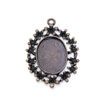 Oval Pendant Base with Flower Edge / 45 x 33mm