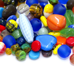 Pärlisegu erivärvilistest erikujulistest pärlitest 4-18mm, 100/50g pakk
