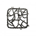 Metallist, suur reljeefse mustriga kaunistusdetail, suuruses 45x45mm