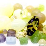 Pärlisegu Helerohekates toonides eri suurusega  pärlitest 5-20mm, 100/50g pakk