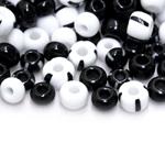 Pärlisegu mustvalgetes toonides eri suurusega  pärlitest 6-8mm, 100/50g pakk