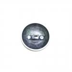 Ümar, kumera pinnaga, õrnalt lopergune, reljeefse kulunud mustriga, kannaga metallnööp, 18mm/28L