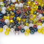 Pärlisegu Kirjudes toonides pärlitest, osaliselt kandilise hõbetatud sisuga 4mm, 100/50g pakk