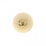 Chaneli märgiga, kannaga pidulik plastiknööp, 18mm, 28L