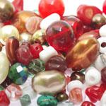 Pärlisegu Punakates-kirjudes toonides eri suurusega pärlitest 5-20mm, 100/50g pakk