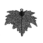 Lightweight Metal Maple Leaf Pendant / 50 x 45mm