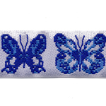12.Valge pael siniste liblikatega