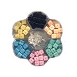 Lillekujuline Tsehhi klaaspärlite valikkarp kuubikukujulistest pärlitest+ kõrvarõnga konksud ja ehtenõelad