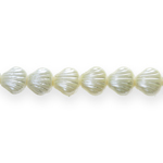 Teokarbikujuline pärlmutter 9x5mm klaashelmes