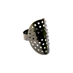 Sõrmusetoorik kumera sõelataolise kettaga / Perforated Oval Finger Ring Base / 30 x 19mm