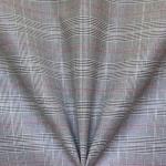 Ruudumustriga, kergelt veniv kostüümikangas, 152cm, 130891