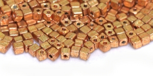 Toruhelmed, 3,4 mm x 3,4 mm, värv HI50