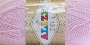 Diva Silk Effect Yarn; Colour 185 (Light Pink), Alize