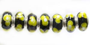 KL55A 14x7mm Must, kollasekirjude lilledega pandora tüüpi helmes
