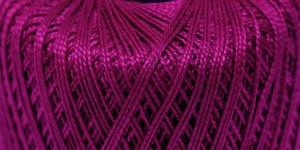 Pärlniit Perle 5 tikkimiseks ja heegeldamiseks; Värv 6122 (Tumepunane) / Madame Tricote