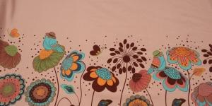Puuvillane elastaaniga trikookangas, roosal taustal