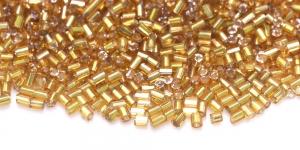 DA9a 2,5-2,8mm Kuldsed kuuetahulised läbipaistmatud hõbedase sisuga toruhelmed