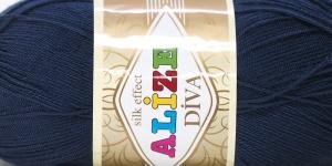 Siidja pinnaga akrüüllõng Diva Silk Effect; Värv 361 (Mustjassinine), Alize