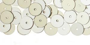 YB51b / Lamedad kettakujulised plastlitrid / Läikiv hõbe / ø8mm