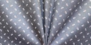 148cm, Mustjashall, kirju lillemustriga satiinkangas, TM2001/215