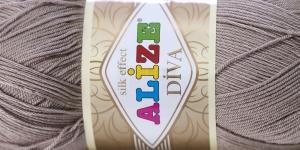 Siidja pinnaga akrüüllõng Diva Silk Effect; Värv 167 (Hallikasbeež), Alize