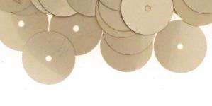 YB55 / Lamedad kettakujulised plastlitrid , läbikumavad hallikasbeezid / ø13mm
