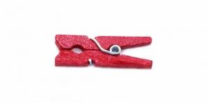 Punane puidust pesupulk / 25 x 10mm / IL13