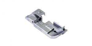 1/8 inch Piping Foot for Overlock Janome, Elna, Art. 200219103