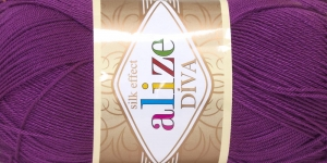 Siidja pinnaga akrüüllõng Diva Silk Effect; Värv 297 (Tumelilla), Alize
