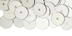 YB52/ Lamedad kettakujulised plastlitrid / Sädelev hõbedane / ø10mm