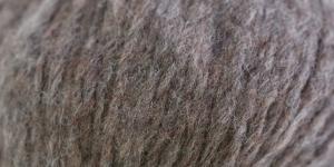 Alpakavilla sisaldav lõng Brushed Fleece, Rowan, värv nr. 254, säbruline hallikaspruun