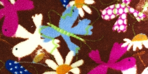 9 Tumepruun lindude ja lilledega Pehme fliis
