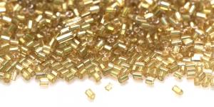 DA17 2,5-2,8mm Kuldne läbipaistmatu toruhelmes