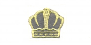 AT25, Hall helekollasega kuninga kroon, 6 x 5 cm, AT25