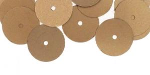 YB133 / Lamedad kettakujulised plastlitrid, helepruunid / ø13mm