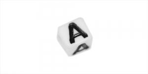 Valge, musta kirjaga plastikhelmed, täht `A`, 7mm, AA6D