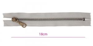 1916OX, Metall-tõmblukk pikkusega 18cm, 6mm antiikpronks hammastikuga, helehall, Wico ümar kelgu ripats